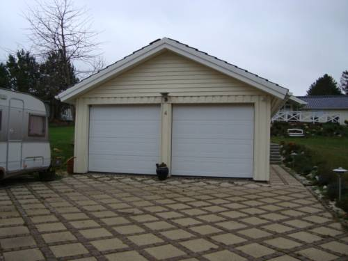 Garage med dobbeltport