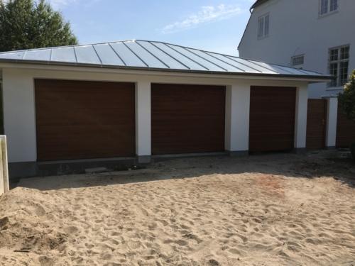 garage med 3 porte